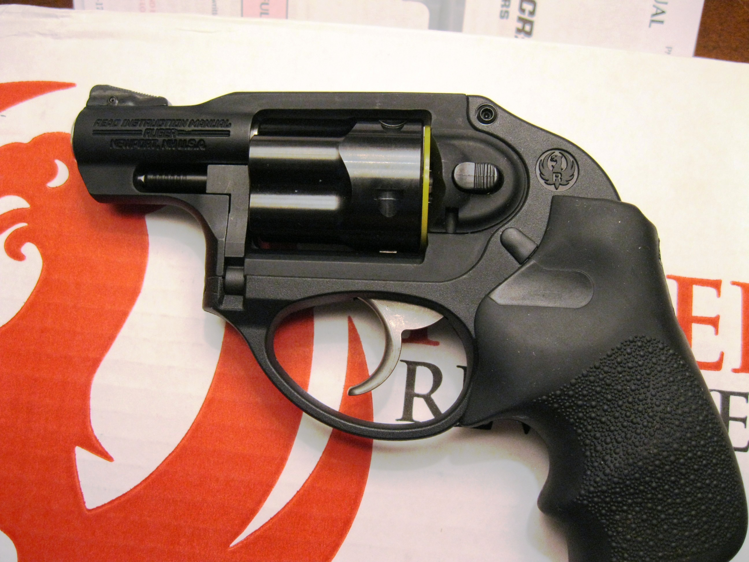 Lcr In Hand : Ruger lcr ″ black hogue grips sp p new ellis